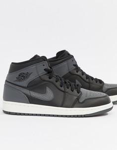 Черные кроссовки средней высоты Nike Air Jordan 1 554724-041 - Черный