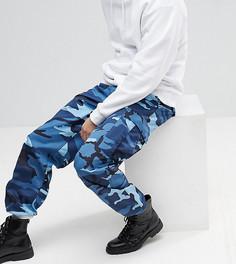 Синие камуфляжные брюки-карго Reclaimed Vintage Revived - Синий