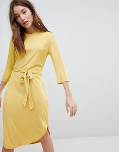 Трикотажное платье с поясом JDY - Желтый