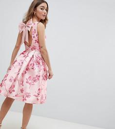 Розовое платье миди с цветочным принтом и бантом на спине Chi Chi London Petite - Розовый