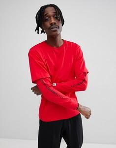 Красная футболка-лонгслив с принтом на рукаве AAPE By A Bathing Ape - Красный