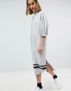 Платье-футболка миди с пышными рукавами и полосками по краю Moss Copenhagen - Серый