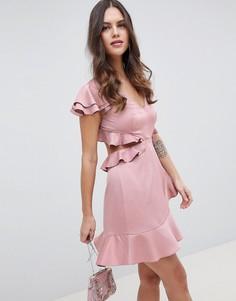 Атласное платье мини с вырезом на спине и оборкой ASOS DESIGN - Розовый