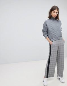 Строгие брюки в клетку с полосками Moss Copenhagen - Серый