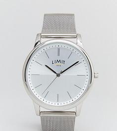 Серебристые часы с браслетом ограниченной серии эксклюзивно для ASOS - Серебряный Limit