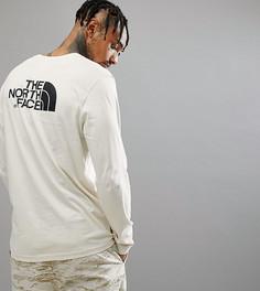Белый лонгслив с логотипом на спине The North Face эксклюзивно для ASOS - Кремовый
