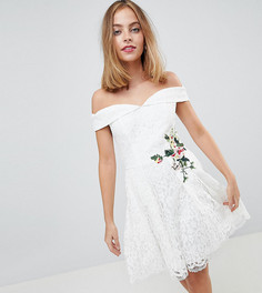 Кружевное платье мини с открытыми плечами и цветочной вышивкой Little Mistress Petite - Кремовый