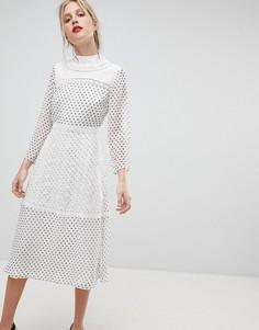 Платье миди в горошек с вышивкой ASOS - Мульти