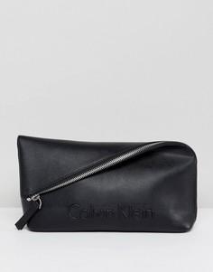 Клатч с клапаном и тисненым логотипом Calvin Klein - Черный