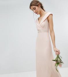 Платье макси с широким вырезом и отделкой на талии TFNC Tall Bridesmaid - Розовый
