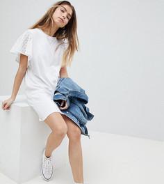 Платье-футболка с вышивкой ришелье на рукавах ASOS PETITE - Белый