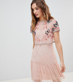 Короткое приталенное платье с декоративной отделкой Frock And Frill - Розовый