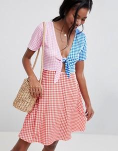 Приталенное платье мини в разноцветную клеточку ASOS DESIGN - Мульти