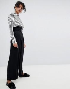 Строгие брюки с ремнем Monki - Черный