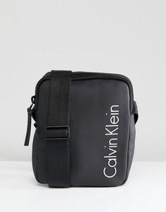 2863dfd31c53 Сумка для авиаперелетов с логотипом Calvin Klein - Черный