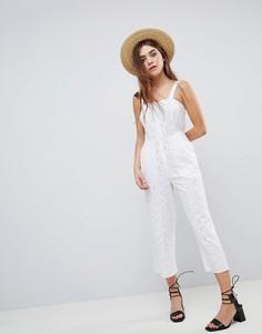 Комбинезон с вышивкой ришелье ASOS DESIGN - Белый