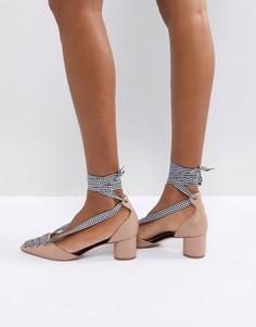Туфли-лодочки на блочном каблуке со шнурками в клеточку Miss KG April - Бежевый