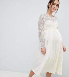 Платье макси с кружевным верхом и плиссированной юбкой Little Mistress Maternity - Кремовый