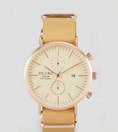 Часы с хронографом и кожаным ремешком в подарочном наборе со сменным парусиновым ремешком Reclaimed Vintage Inspired эксклюзивно для ASOS - Рыжий