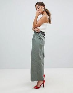 Широкие брюки в стиле милитари с ремнем River Island - Зеленый