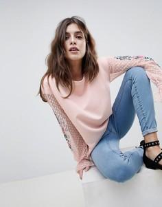 Топ с сетчатыми рукавами и вышивкой Esprit - Розовый