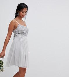 Платье мини с пайетками на лифе и юбкой из тюля Maya Petite Bridesmaid - Серый