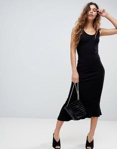 Платье-майка макси с глубоким вырезом на спине и оборкой по краю ASOS DESIGN - Черный