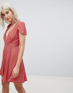 Платье с запахом и принтом в стиле ретро Rollas - Красный