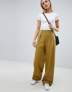 Широкие брюки с защипами ASOS DESIGN - Зеленый