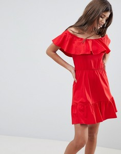 Сарафан с открытыми плечами и ярусной юбкой ASOS DESIGN - Красный
