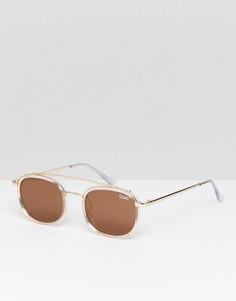 Круглые солнцезащитные очки в золотистой оправе Quay Australia - Золотой