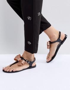 Черные сандалии с T-образным ремешком и бантом Ted Baker Camaril - Черный
