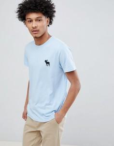 Голубая футболка с круглым вырезом и большим логотипом-лосем Abercrombie & Fitch - Синий