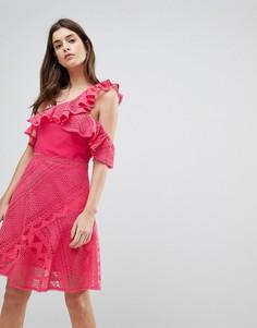 Кружевное платье на одно плечо с оборкой Three Floor - Розовый