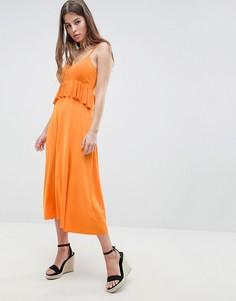 Легкое платье миди с баской ASOS DESIGN - Оранжевый
