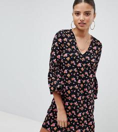 Короткое приталенное платье с цветочным принтом Noisy May Petite - Мульти