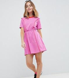 Короткое приталенное платье в стиле колор блок ASOS DESIGN Petite - Розовый