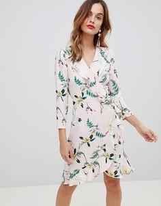 Платье с запахом, оборками и принтом Y.A.S - Мульти
