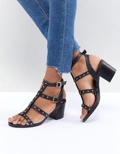 Босоножки на блочном каблуке с ремешками и заклепками New Look - Черный