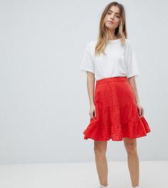 Мини-юбка с вышивкой ришелье ASOS DESIGN Petite - Красный