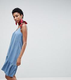 Платье на бретелях с оборкой по краю Vero Moda Tall - Синий