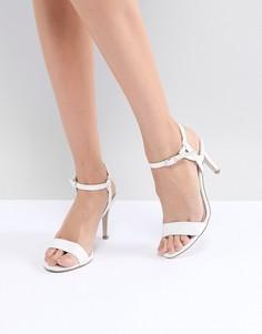 Босоножки на каблуке с ремешком New Look - Белый