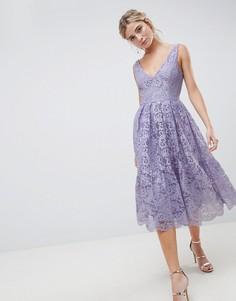 Кружевное платье миди для выпускного с глубоким вырезом ASOS DESIGN - Фиолетовый