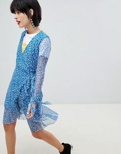 Платье с запахом и цветочным принтом Pieces - Синий
