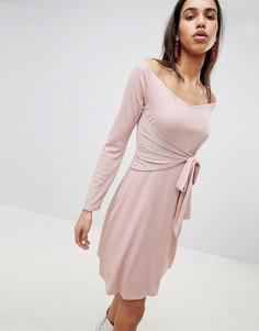 Короткое приталенное платье с поясом Lost Ink - Розовый