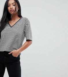 Льняная футболка в полоску с V-образным вырезом ASOS Petite - Мульти