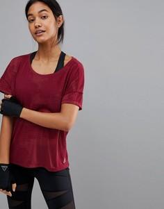 Бордовая футболка с выжженным рисунком Reebok Training - Фиолетовый