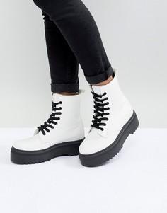 Ботинки на толстой подошве со шнуровкой ASOS DESIGN Attitude - Белый