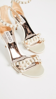 Badgley Mischka Hannah Imitation Pearl Sandals