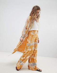 Расклешенные брюки с кружевными вставками Native Rose - Желтый